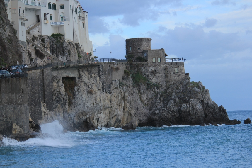 Amalfi.Tower.Wave